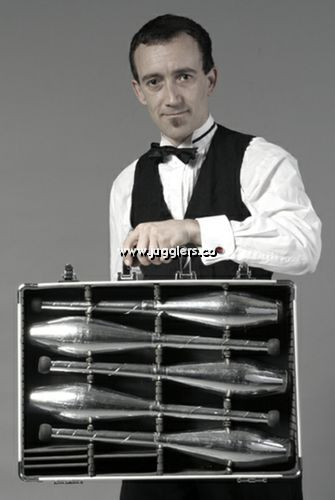 James Bond Juggler